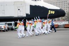 Torchbearers в парке Горького в Москве Стоковое Изображение