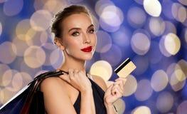 toreb karty kredyta zakupy kobieta Zdjęcia Stock