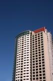 Toren 2 van het flatgebouw met koopflats Stock Fotografie
