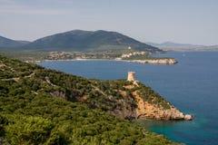 Toren dichtbij het overzees Capo Caccia Het eiland van Sardinige Stock Foto
