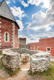 Toren en muren met boog op Medvedgrad-kasteel Royalty-vrije Stock Afbeelding