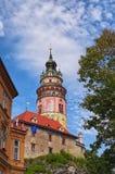 Toren in het Kasteel van Cesky Krumlov, Tsjechische republiek Zonnige de zomerdag De Plaats van de Erfenis van de Wereld van Unes Royalty-vrije Stock Foto