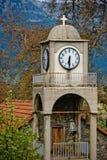 Toren met horloge en klok Royalty-vrije Stock Afbeeldingen