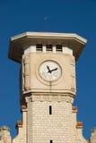 Toren met oude klok Stock Foto