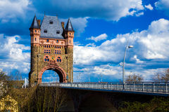 Toren op de brug Royalty-vrije Stock Afbeeldingen