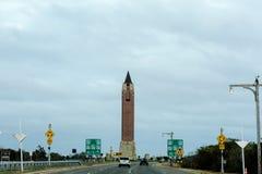 Toren op de manier aan de oceaan Stock Afbeelding