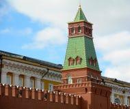 Toren op muren in het Kremlin, Moskou royalty-vrije stock fotografie