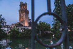 Toren in Padua bij nacht royalty-vrije stock afbeelding