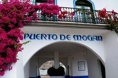 Toren van de havenmeester in Puerto DE Mogan royalty-vrije stock foto