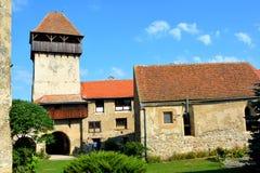Toren van de middeleeuwse versterkte Saksische kerk in Calnic, Transsylvanië Royalty-vrije Stock Afbeeldingen