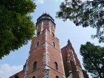 Toren van een kerk in Krakau royalty-vrije stock afbeeldingen