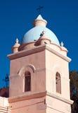 Toren van een landelijke kerk royalty-vrije stock afbeelding