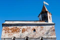 Toren van het middeleeuwse Kremlin in Vologda stock fotografie