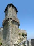 Toren van kasteel in San-Marino Stock Foto's