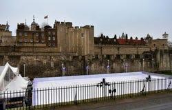 Toren van Kerstmisijsbaan van Londen Londen, het Verenigd Koninkrijk, 30 Dec 2018 stock afbeeldingen