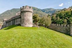Toren van Montebello-Kasteel in Belinzona, Zwitserland stock fotografie