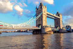 Torenbrug bij Schemer, Londen, het UK Stock Foto's