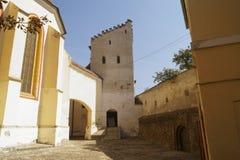 Torendefensie van de versterkte kerk van Media, Sibiu, Roemenië royalty-vrije stock afbeelding