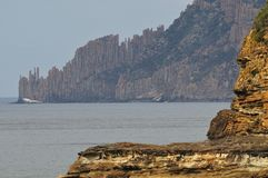 Torenhoge Seacliffs bij het Nationale Park van Tasman Stock Foto