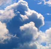 Torenhoge Wolken stock fotografie