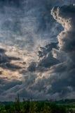 Torenhoge wolken royalty-vrije stock afbeeldingen