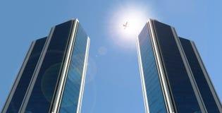 Torens en bedrijfsstraal Royalty-vrije Stock Fotografie