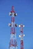 Torens van cellulaire exploitanten Stock Foto's