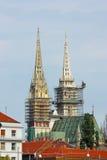 Torens van de Kathedraal van Zagreb royalty-vrije stock foto's