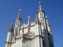 Torens van een gotische kapel Stock Afbeeldingen
