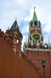 Torens van Moskou het Kremlin, Rusland Stock Foto's