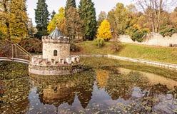 Torentje in Bojnice, Slowakije, de herfstpark Royalty-vrije Stock Foto's