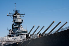 Torentjes op het schip van de marineslag stock foto