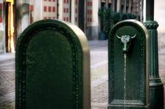 Toret, touro típico deu forma à fonte de Turin Itália imagens de stock royalty free