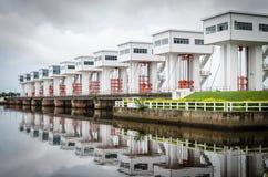 Torgebäude des weißen Wassers stockfoto