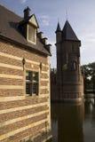 Torgebäude und Turm Heeswijk-Schloss Stockfotos