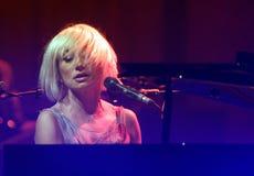 Tori Amos utför i konsert royaltyfria foton