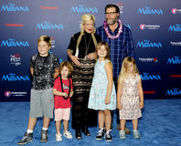 Tori Spelling e decano McDermott Immagine Stock