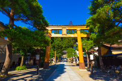 Torii门Sakurayama Hachiman顾寺庙高山市 库存图片
