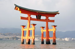 浮动的torii 免版税库存照片