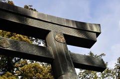 Torii avec la crête de Tokugawa Photos libres de droits