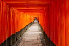 Torii d'orange de fond photos libres de droits