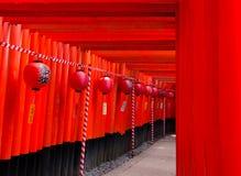 Torii de Inari Taisha Imagen de archivo libre de regalías