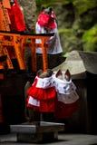 Torii rojo en Japón Foto de archivo