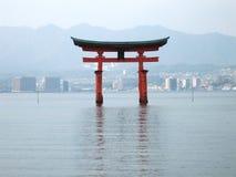 Torii utfärda utegångsförbud för royaltyfri foto