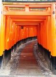Toriipoorten bij het Heiligdom van Fushimi Inari Taisha royalty-vrije stock foto