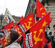 Torino, Italia - dimostrazione per le bandiere rosse e le insegne di festa del lavoro Fotografia Stock Libera da Diritti