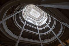 Torino, Italia Rampa a spirale che conduce alla linea di misura del tetto alla vecchia fabbrica di Fiat, costruita negli anni 20 fotografia stock