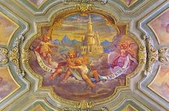 TORINO, ITALIA - ` RCH 14, 2017 DI MA: L'affresco del soffitto degli angeli con l'iscrizione marianic della torre del ` della lit Fotografia Stock