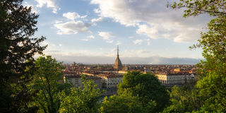 Torino panorama z gramocząsteczką Antonelliana Obrazy Stock