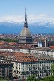Torino - talpa Antonelliana - vista della città e delle alpi Immagine Stock